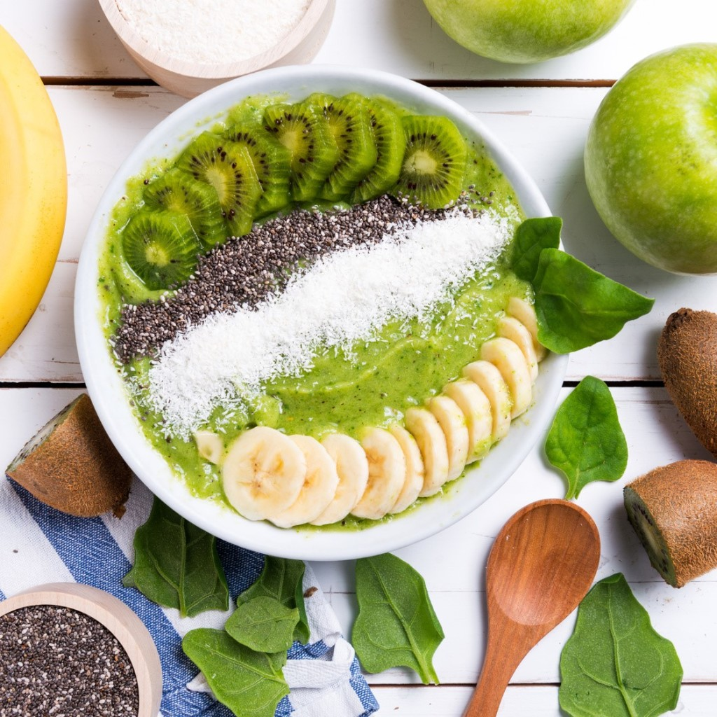 Oscar Kiwi Fruits Banana Smoothie Bowl