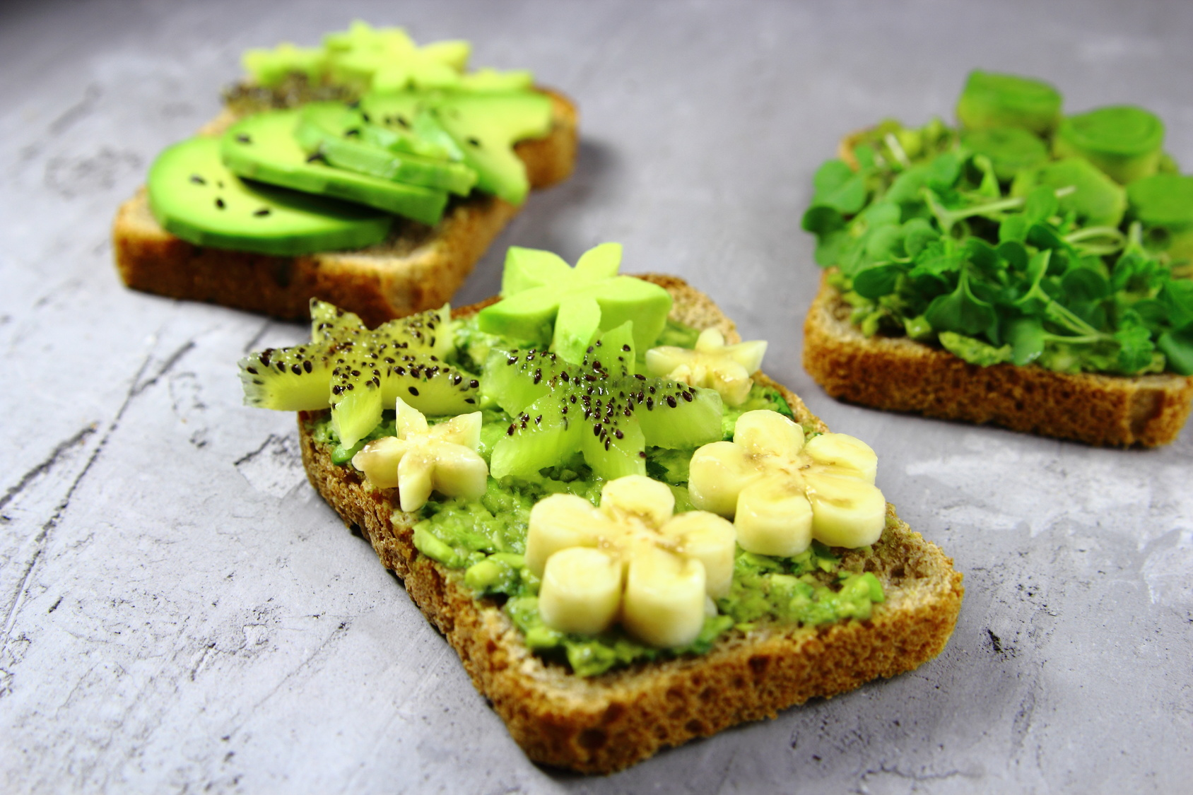 Toasts kiwi & avocat