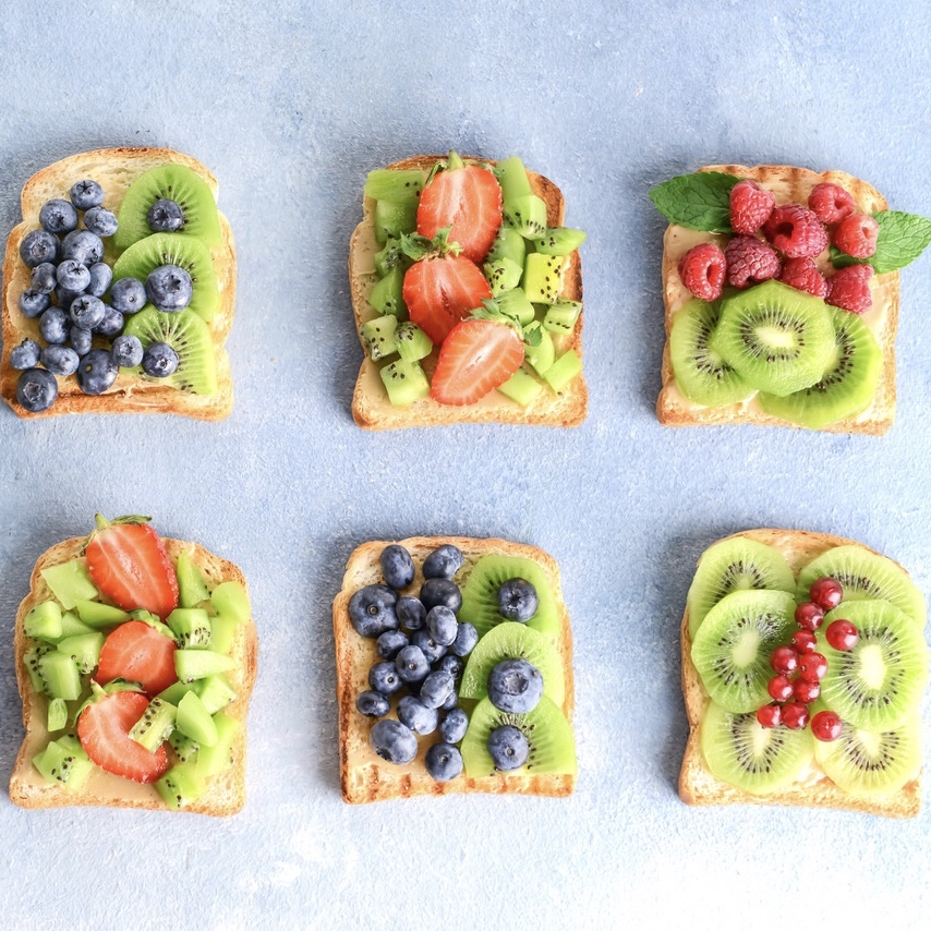 Oscar® Kiwi Toasts with Red Berries