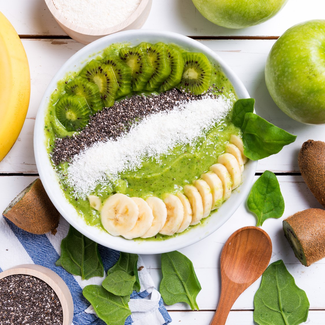 Oscar® kiwi fruits & banana smoothie bowl