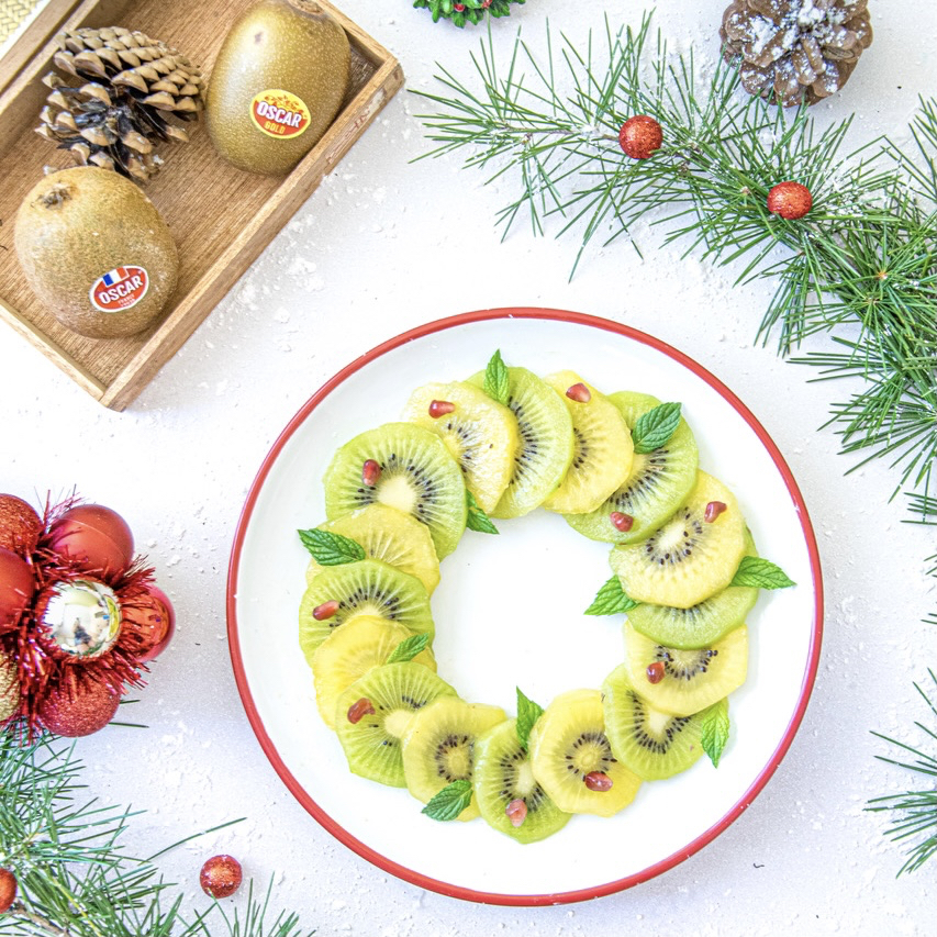 Kiwi, pomegranate and mint wreath