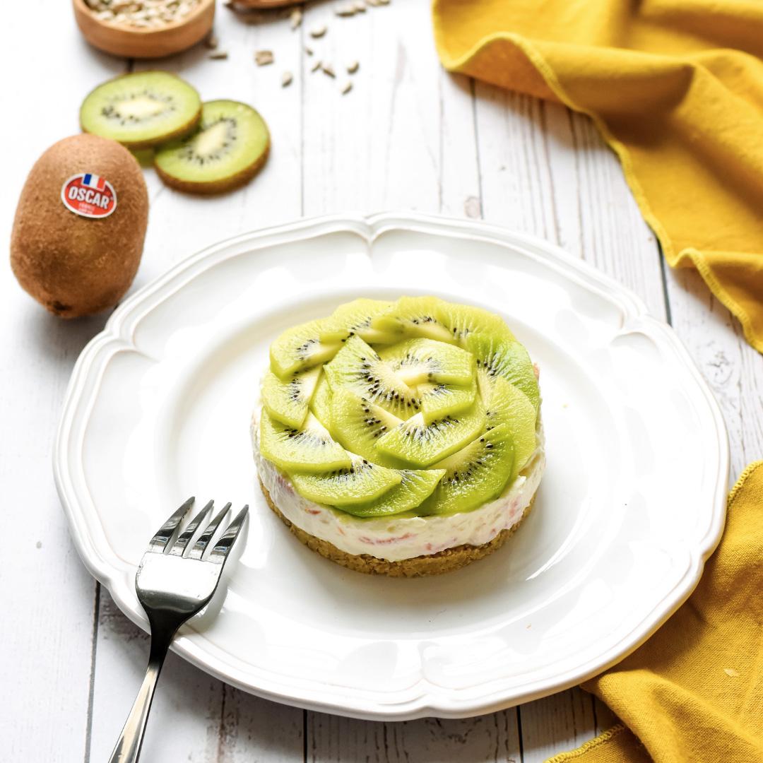 Cheesecake ngọt mặn với kiwi Oscar và cá hồi