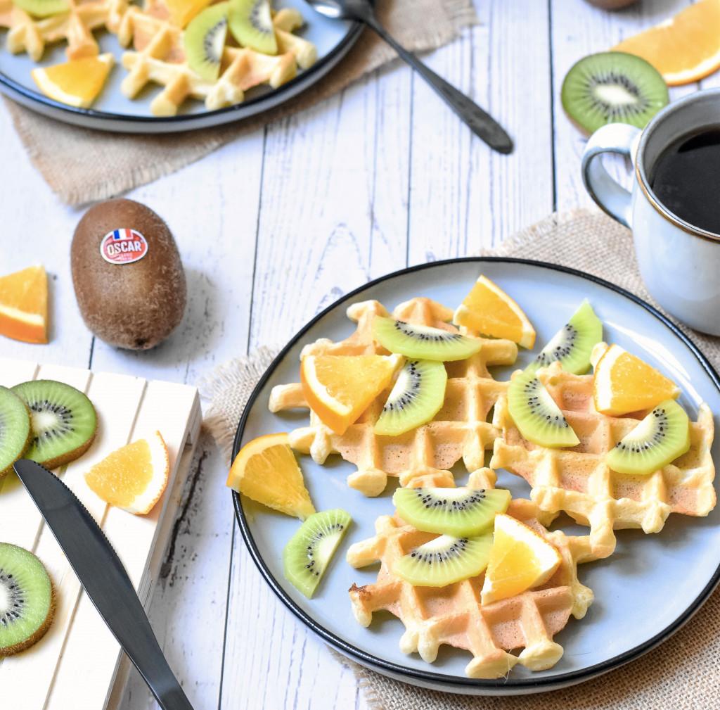 Light waffles with Oscar kiwi and orange